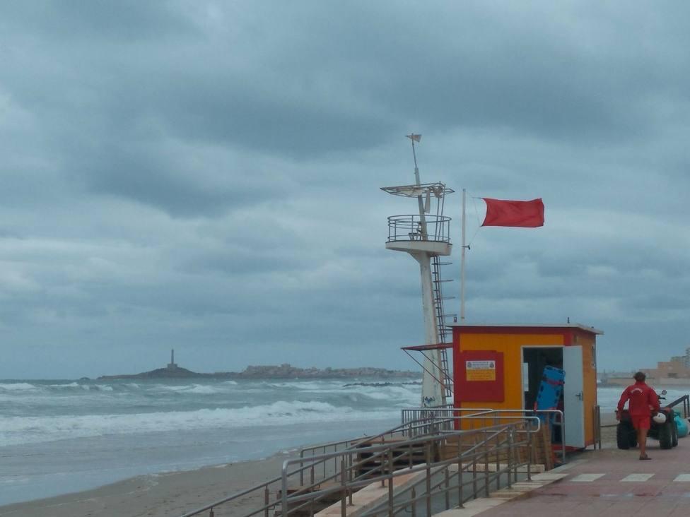 Bandera amarilla en varias playas de Águilas y Lorca