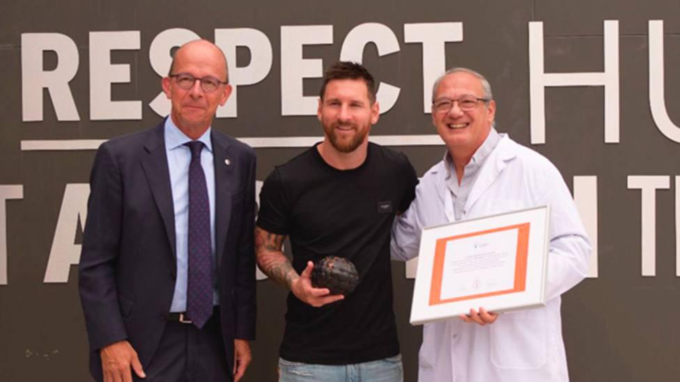 Messi recibe el balón de oro educativo de Scholas
