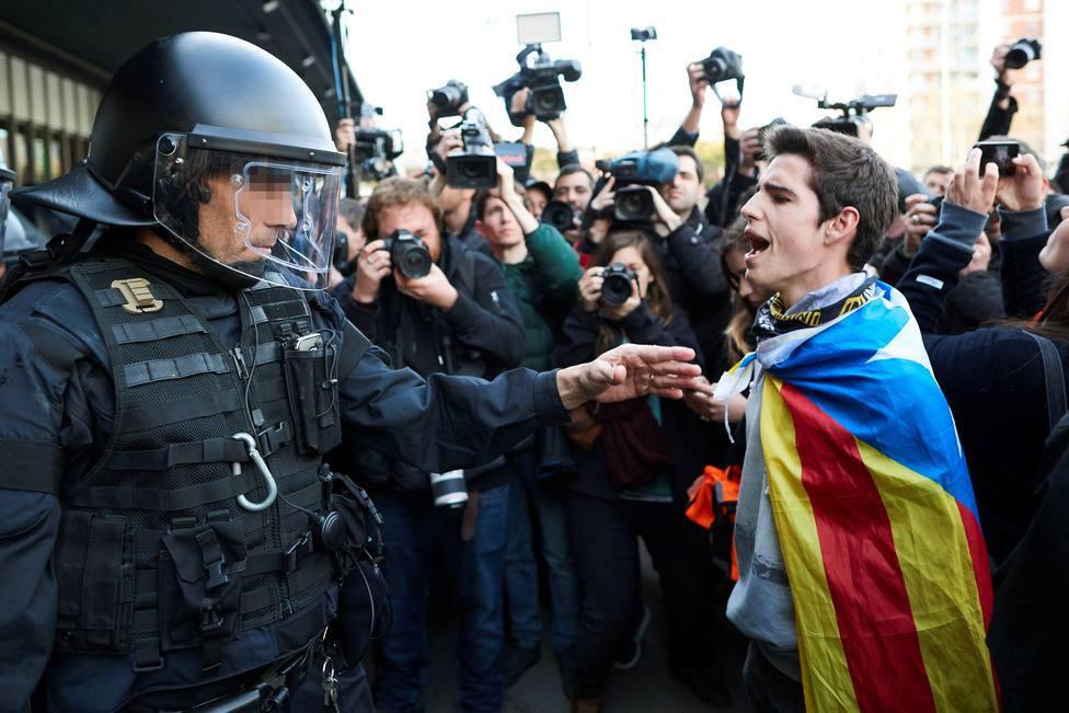 JUCIL responde a la propuesta del Parlamento catalán que pedía laretirada de la Guardia Civil de Cataluña
