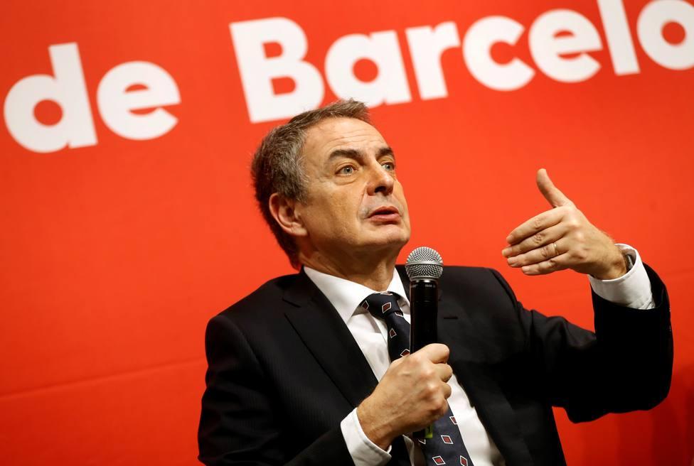 Zapatero, sobre las mesas de diálogo: Me gustaría que hubiera una en cada esquina, en cada bar