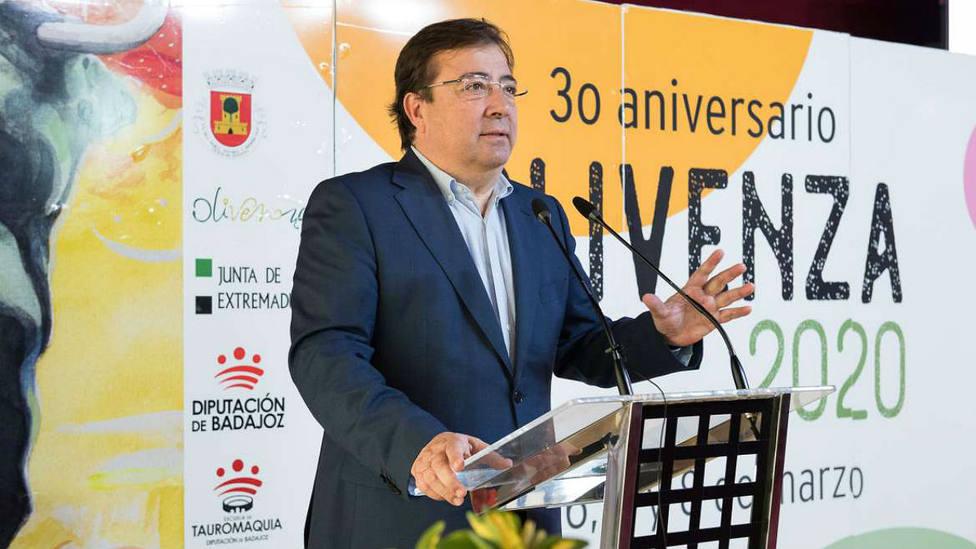 Guillermo Fernández Vara durante la inauguración de la XXX Feria del Toro de Olivenza