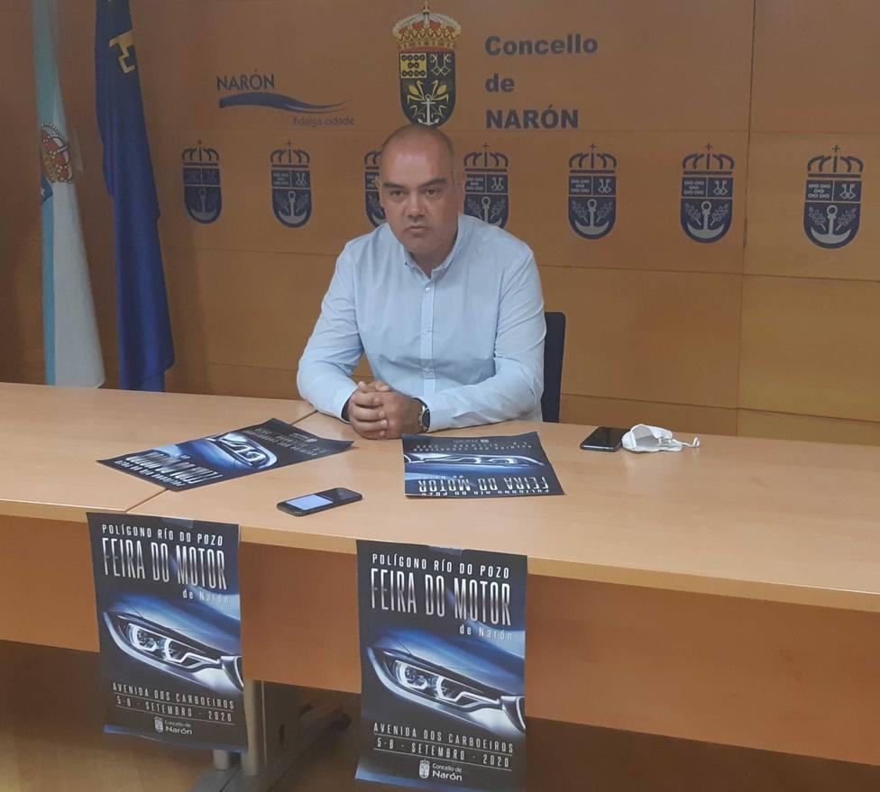 Presentación de la Feira del Motor con el concejal de Promoción Económica - FOTO: Concello Narón