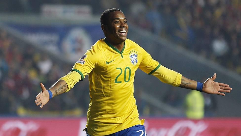 Robinho regresa al Santos cobrando el salario mínimo de Brasil