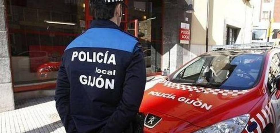 Foto Policía local y vehículo (Policía Local)