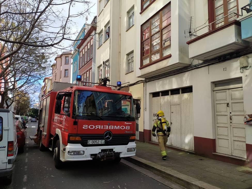 Los bomberos de Ferrol tuvieron que intervenir en la Calle Alcalde Usero