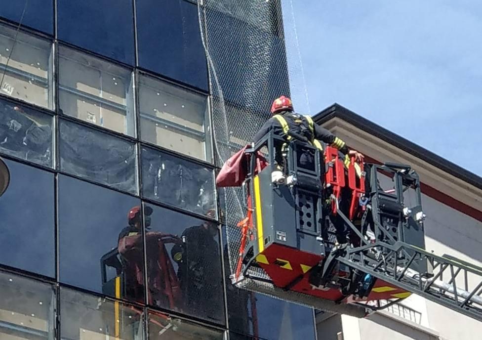 ctv-30m-bomberos-cristales-lago-la-baa-1-cortada