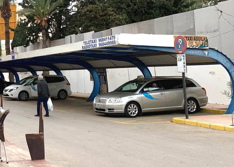 Salen a licitación pública seis licencias de taxi