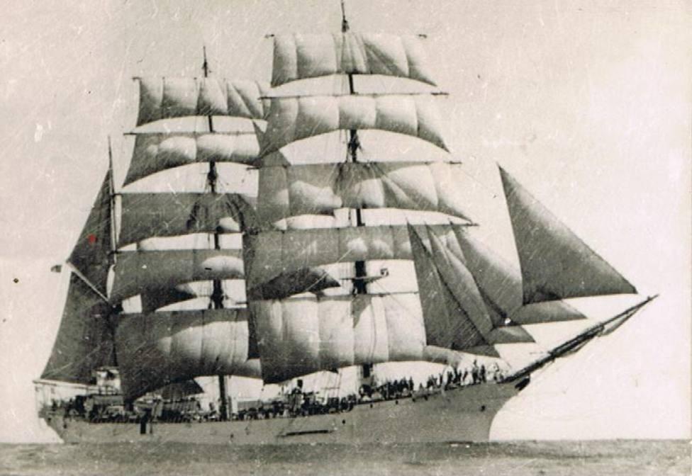 """Foto de archivo del buque escuela """"Galatea"""""""