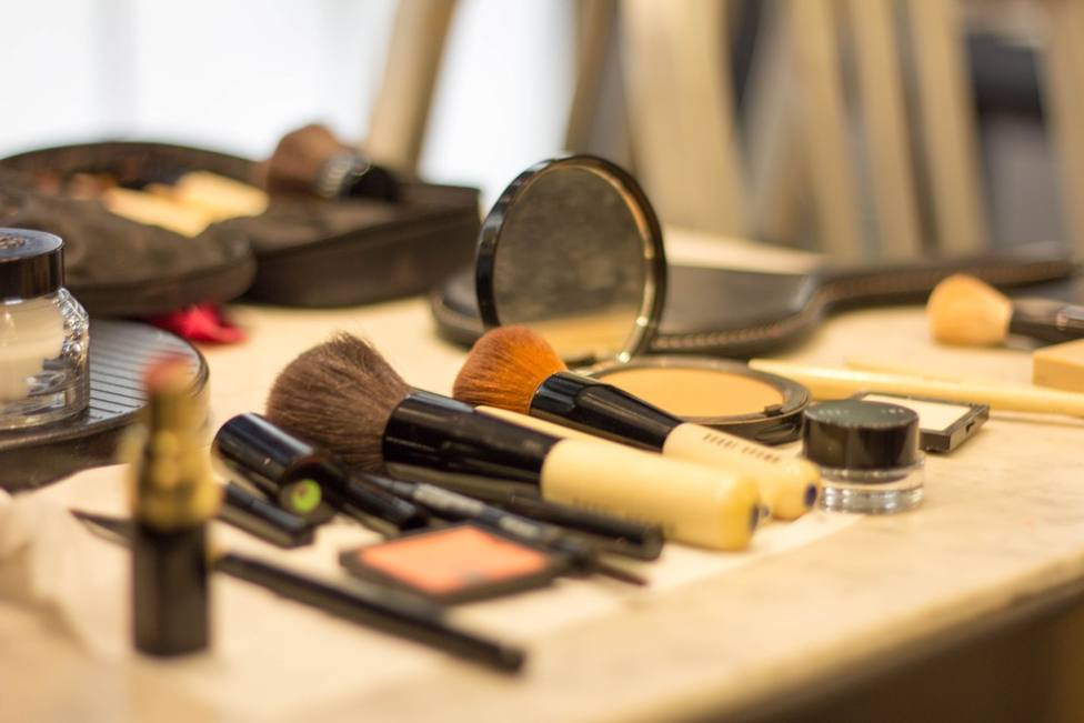 ctv-sng-make-up-3408991 960 720