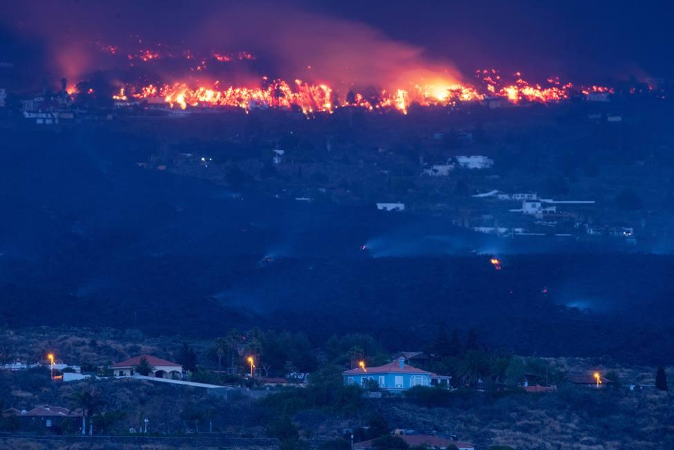 Viviendas amenazadas por la colada de lava en Todoque (La Palma)