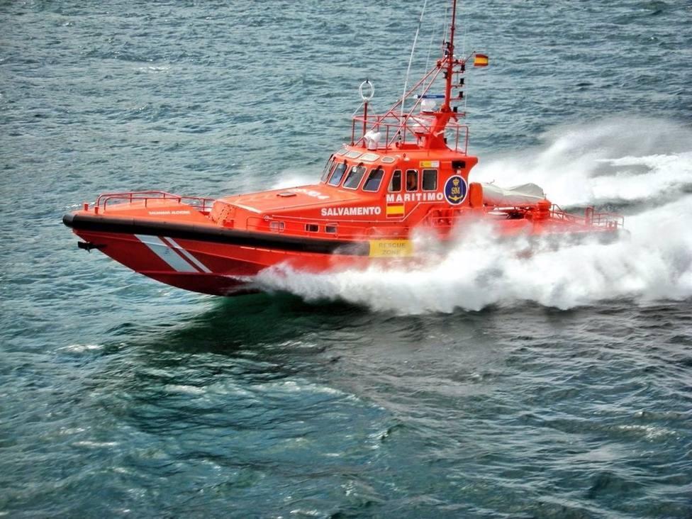 Salvamento Marítimo rescata una patera con 40 subsaharianos a seis millas de Maspalomas (Gran Canaria)