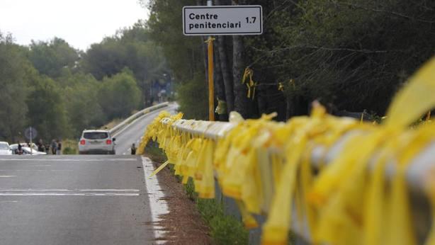 Libertad con cargos para el agresor de la mujer que retiraba lazos amarillos