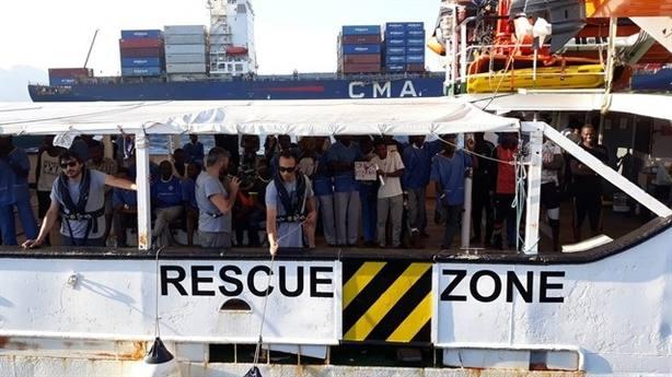 PP y Cs reclaman al Gobierno solucionar con la UE el rescate del pesquero español con inmigrantes en Libia