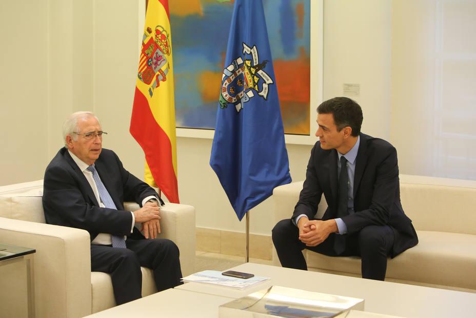 El presidente de Melilla rechaza el muro propuesto por Vox y pide contacto permanente con Marruecos en inmigración
