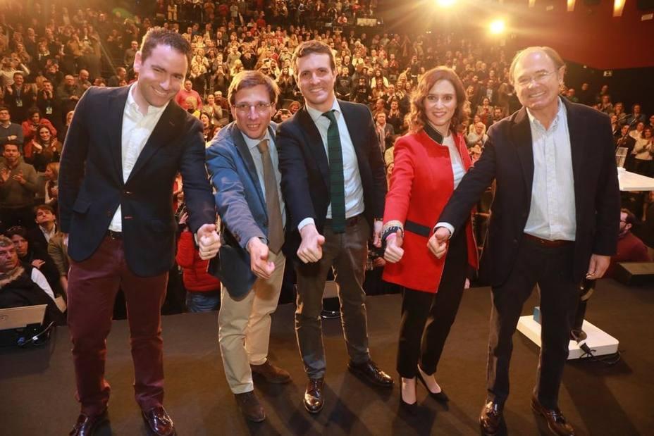 El PP de Madrid brinda un aplauso cerrado a Garrido: Tú y tu equipo contáis con el apoyo del partido hasta el final