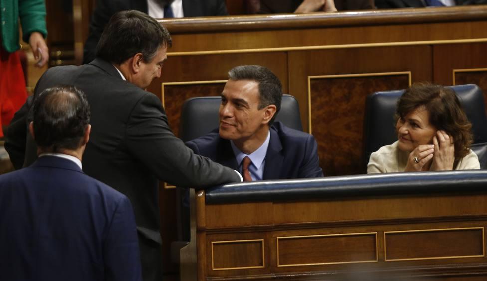 El PSOE cita mañana al PNV, que evita vincular la investidura de Sánchez con el gobierno de Navarra