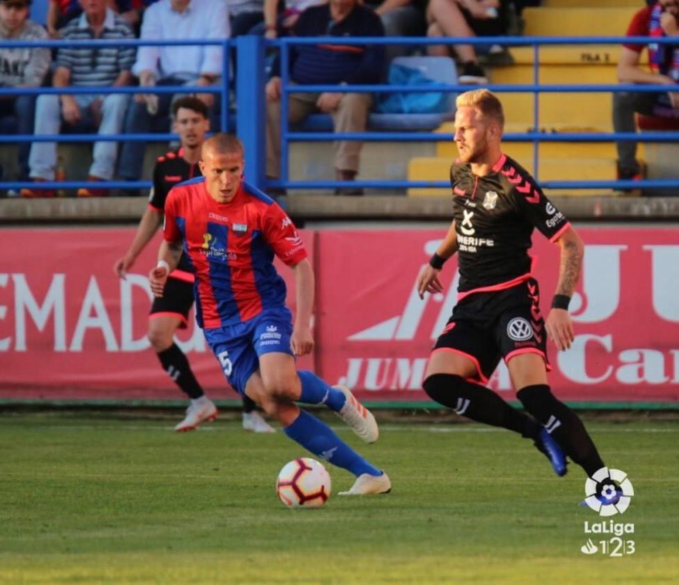 Lolo González. durante un partido con el Extremadura.