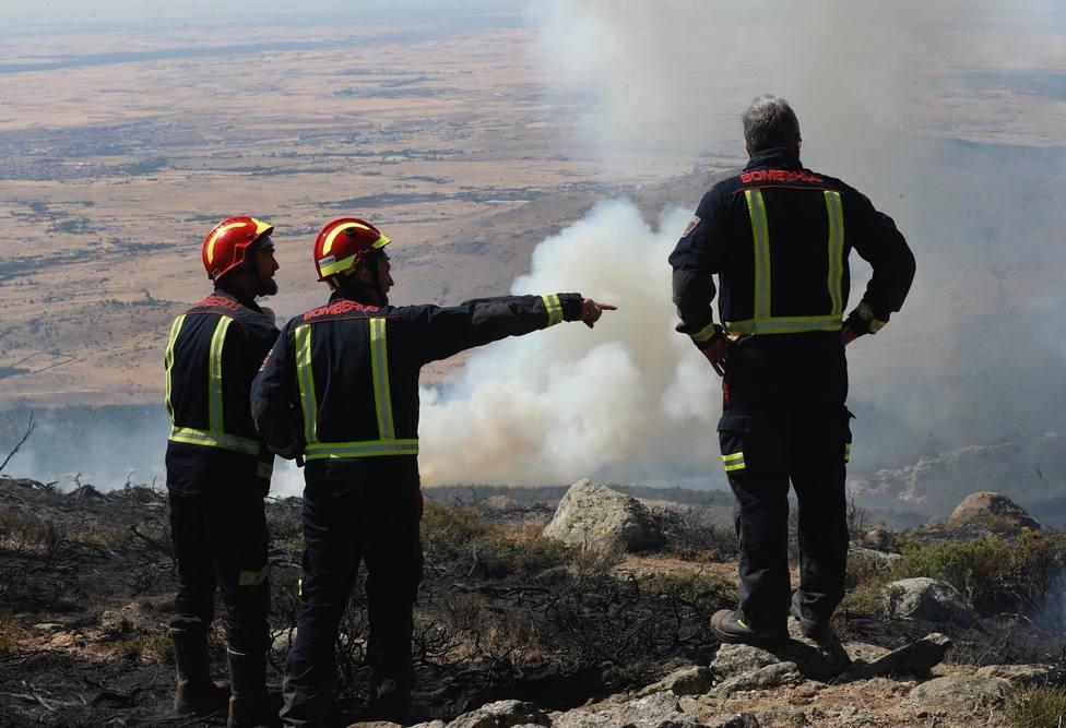 Estabilizados los fuegos de La Granja y Miraflores tras acabar con 900 hectáreas