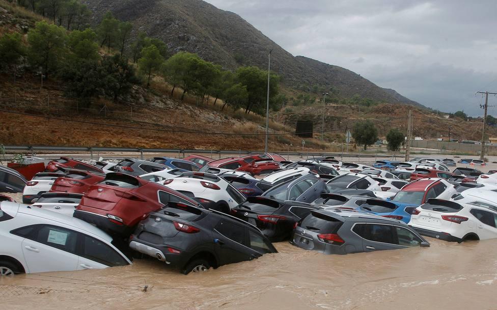 El río Segura comienza a desbordarse en la ciudad de Orihuela