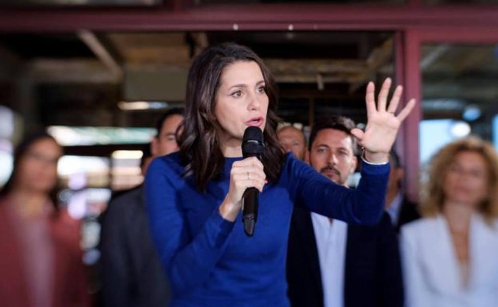 Sánchez abre con Casado y Arrimadas su ronda con líderes de partidos y CCAA