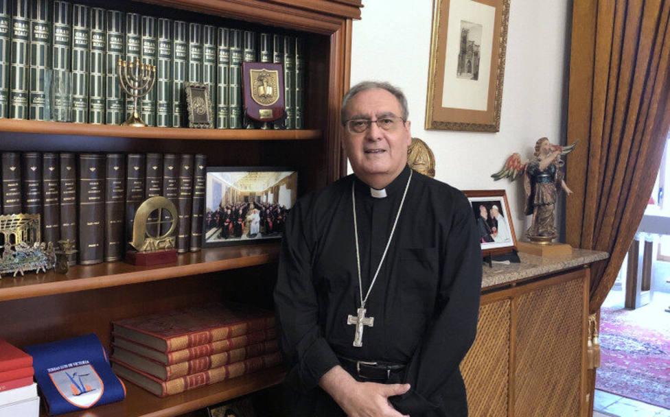 La experiencia de mons. Gil Tamayo, uno de los obispos que ha padecido el coronavirus