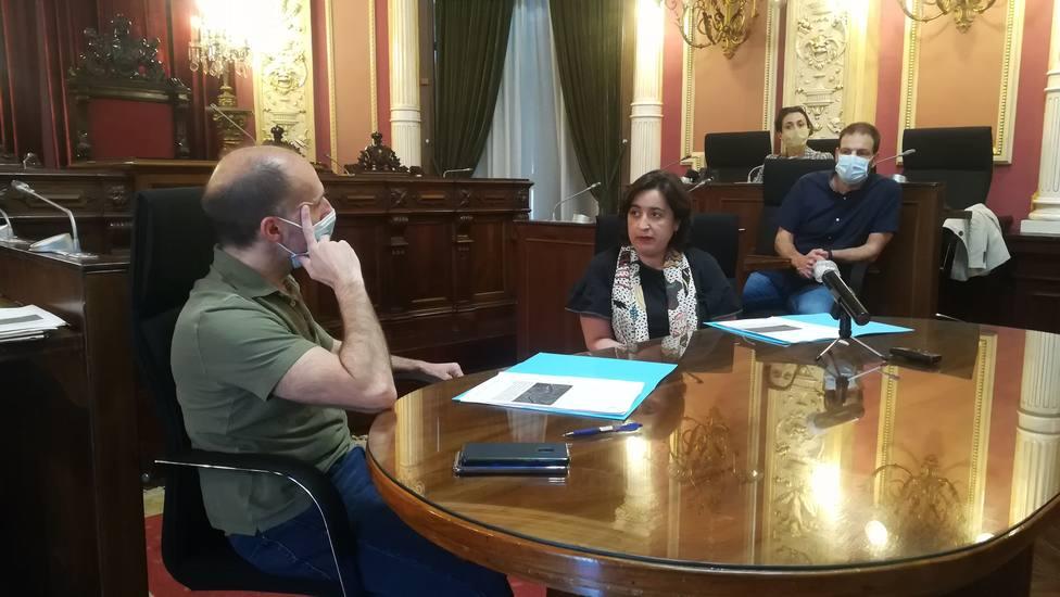 ALCALDE Y COLEGIO ARQUITECTOS