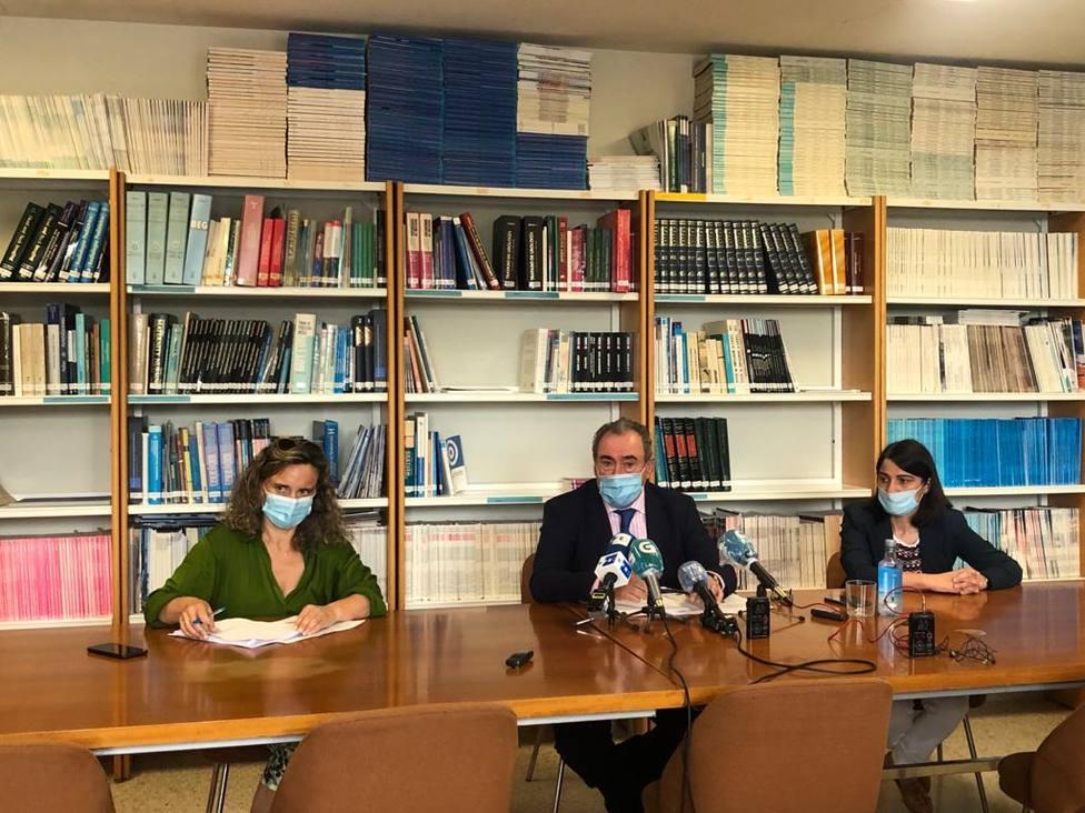 El gerente del área sanitaria de Lugo, Ramón Ares, ha actualizado este martes los datos relativos al brote de