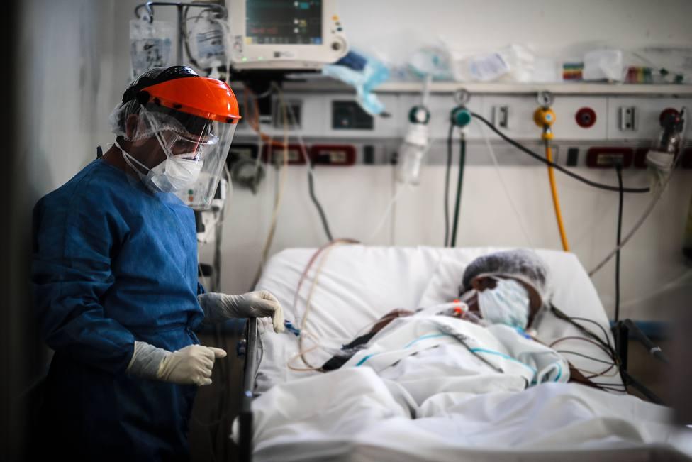 El espeluznante aviso de un epidemiólogo en plena ola de brotes: Una barbaridad