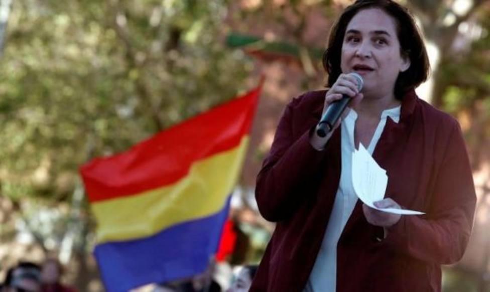 """Ada Colau carga contra la Monarquía y asegura que """"debe someterse a referéndum"""""""