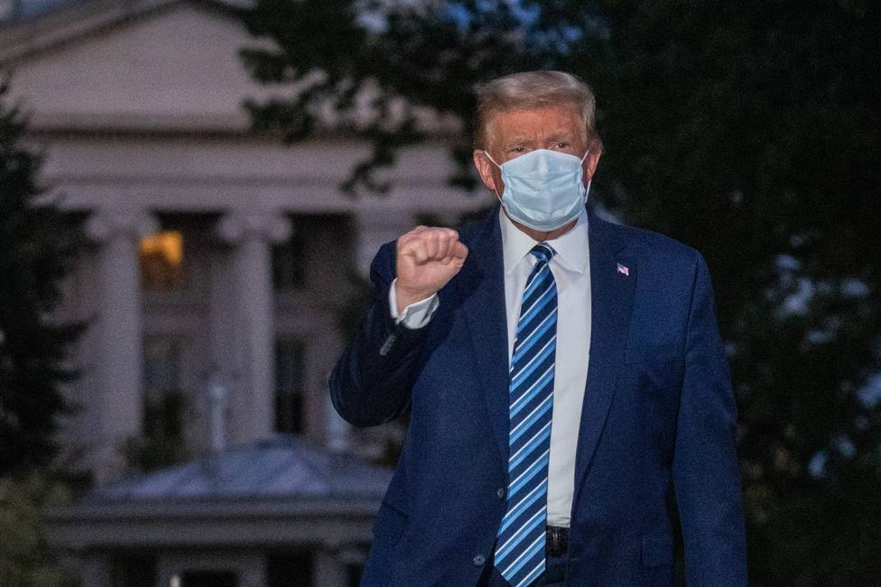 Trump returns to the White House after COVID hospital treatment