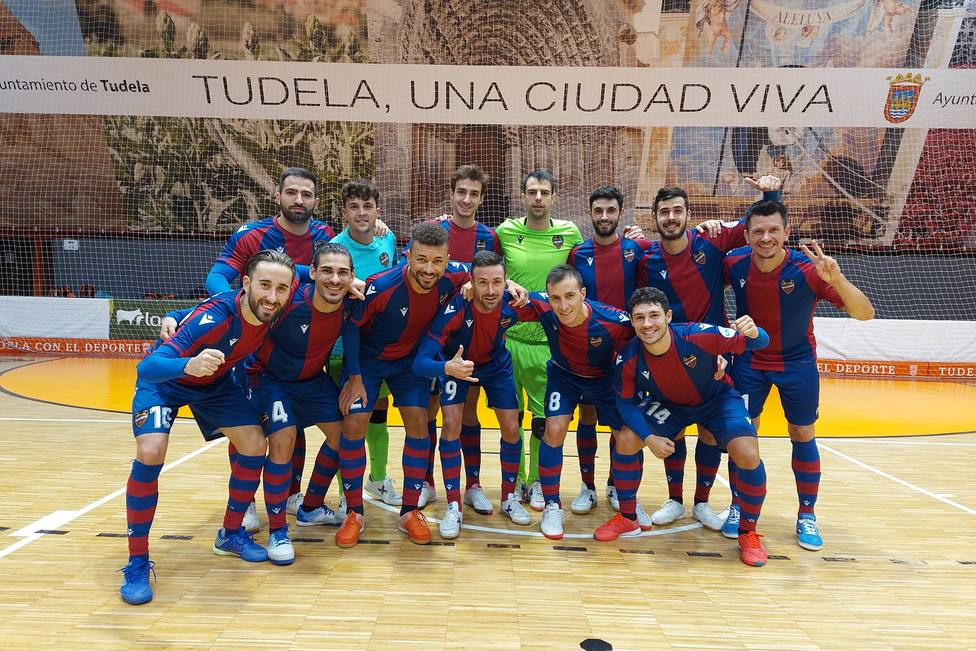 La plantilla del Levante FS, tras la victoria en Tudela