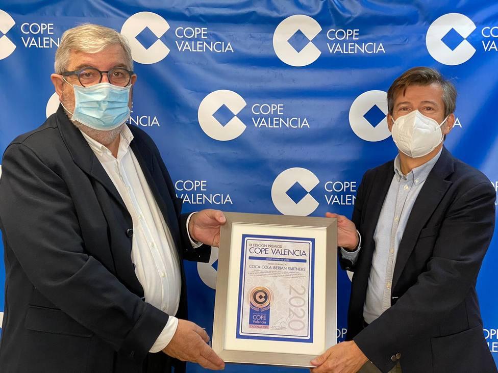 Sergio Peláez Director Regional de COPE Comunidad Valenciana y Fernando Álvarez Director de COCA COLA