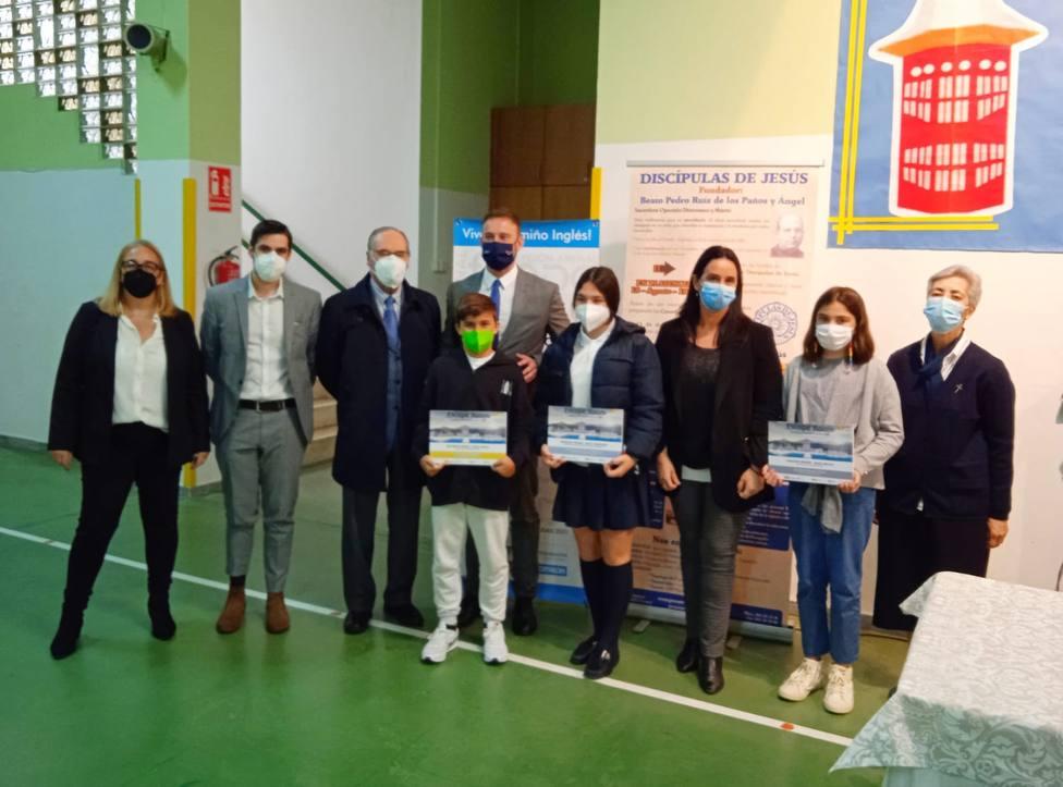 El delegado de la Xunta en A Coruña,Gonzalo Trenor, acudió a la entrega de premios en el colegio Jesús Maestro