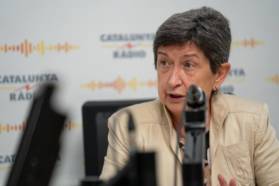 La delegada del Gobierno, Teresa Cunillera, en una entrevista en Catalunya Ràdio.