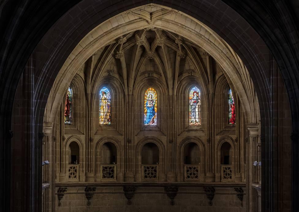 ctv-kfg-20171024 catedral-vidrieras-altar kam7245-hdr