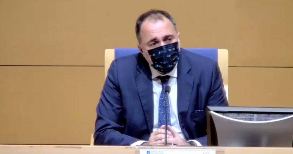 El conselleiro de Sanidade de la Xunta, Julio García Comesaña, en rueda de prensa