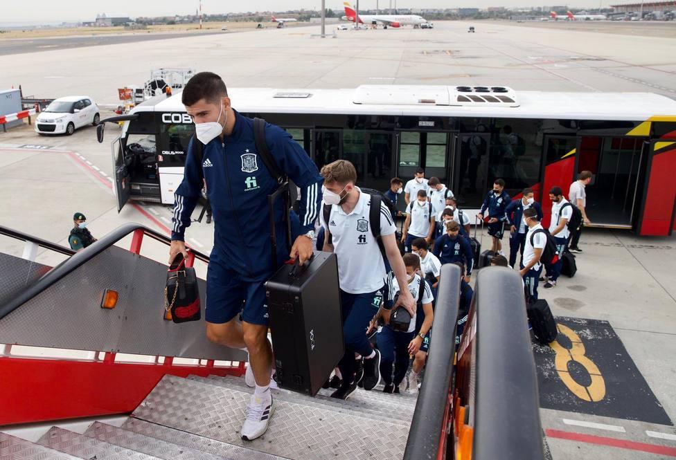 La selección española en el vuelo hacia Pristina