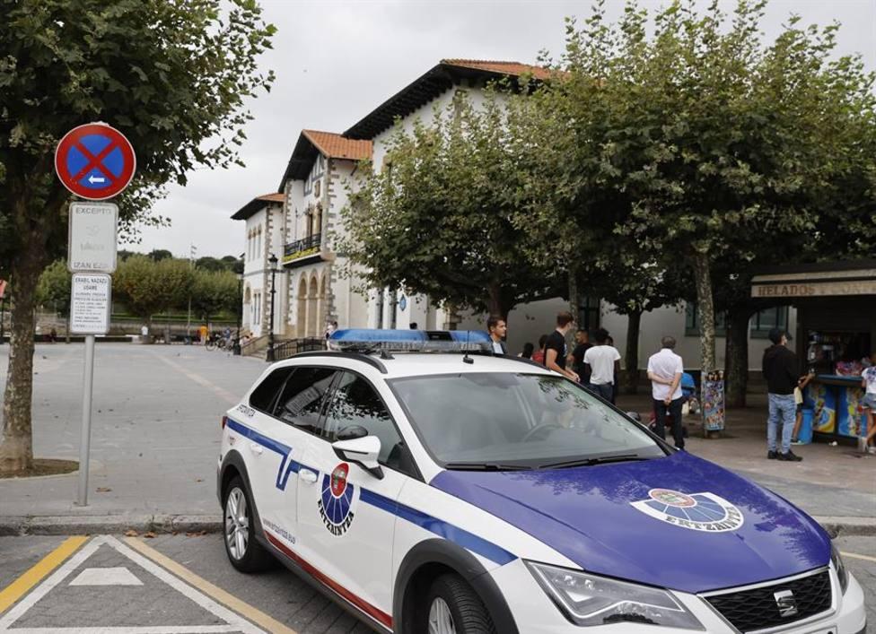 Detenido un hombre de 43 años por el incendio de nueve vehículos y diez contenedores en San Sebastián