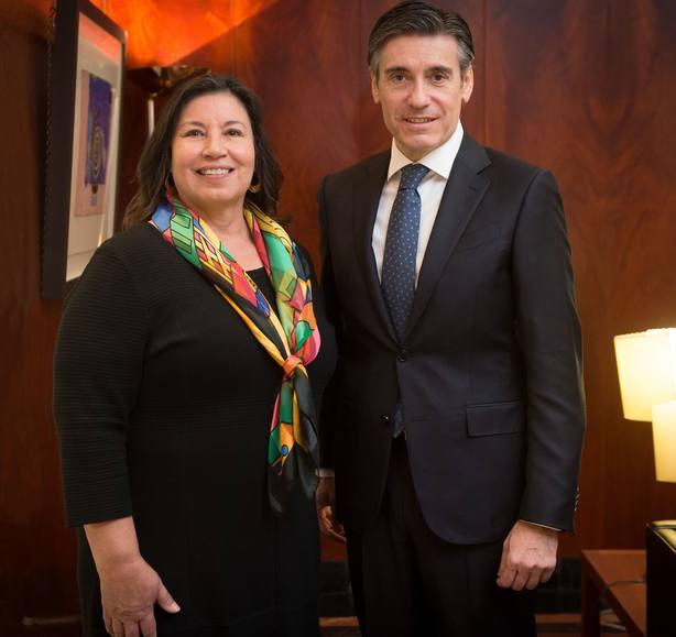 Una experta en comunidades latinas desfavorecidas presidirá el Patronato de la Fundación Microfinanzas BBVA