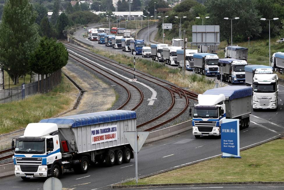 Los camioneros ya realizaron varias movilizaciones por la falta de actividad - FOTO: Efe / Kiko Delgado