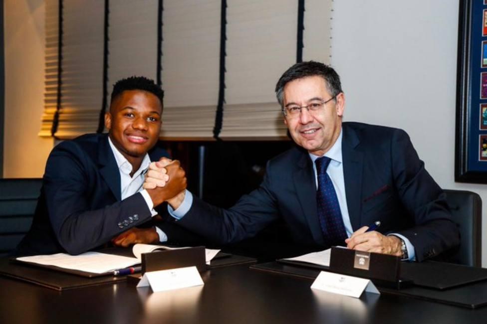 El Barça mejora y amplía el contrato a Ansu hasta junio de 2022