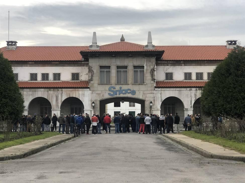 La CNMV suspende a Sniace en Bolsa tras ver amenazada la continuidad de su planta de Torrelavega