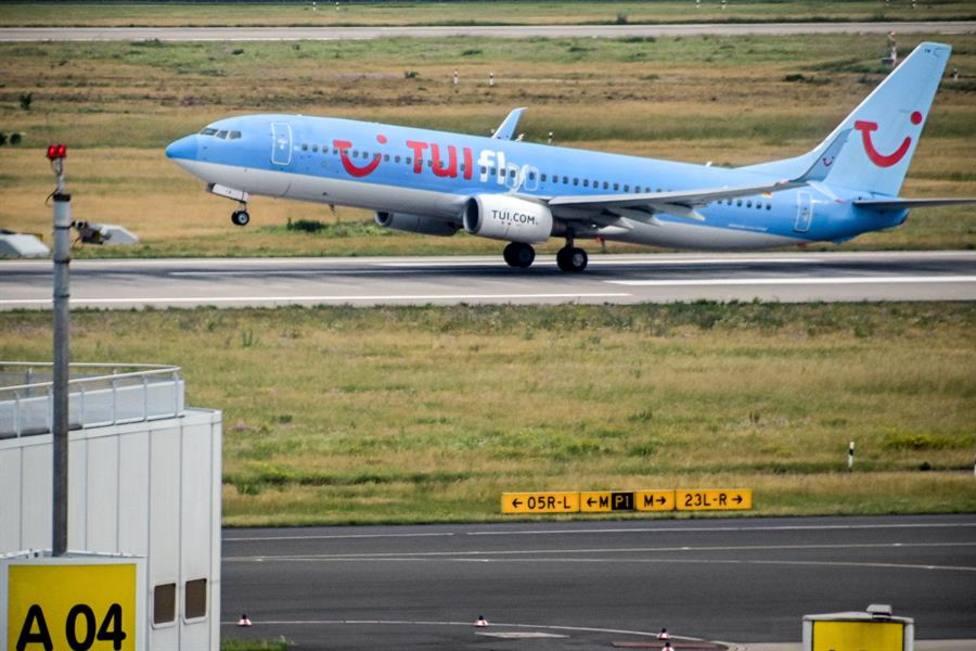 El turoperador TUI cancela sus vuelos a la España peninsular y a Canarias