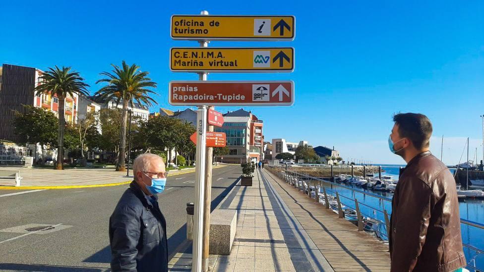 El concejal de Turismo de Foz, Chema Linares, y el alcalde del municipio, Fran Cajoto