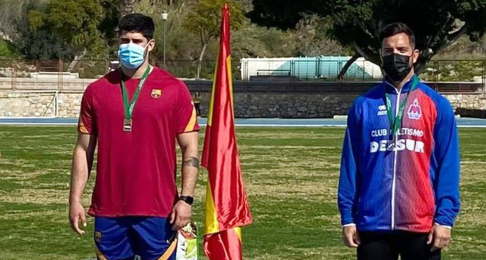 Los motrileños Lorenzo Hernández en peso y Zoe Camilla Pérez en jabalina, campeones de Andalucía absolutos