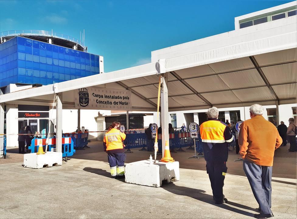 Carpa instalada en el centro de salud de Narón. FOTO: Concello de Narón