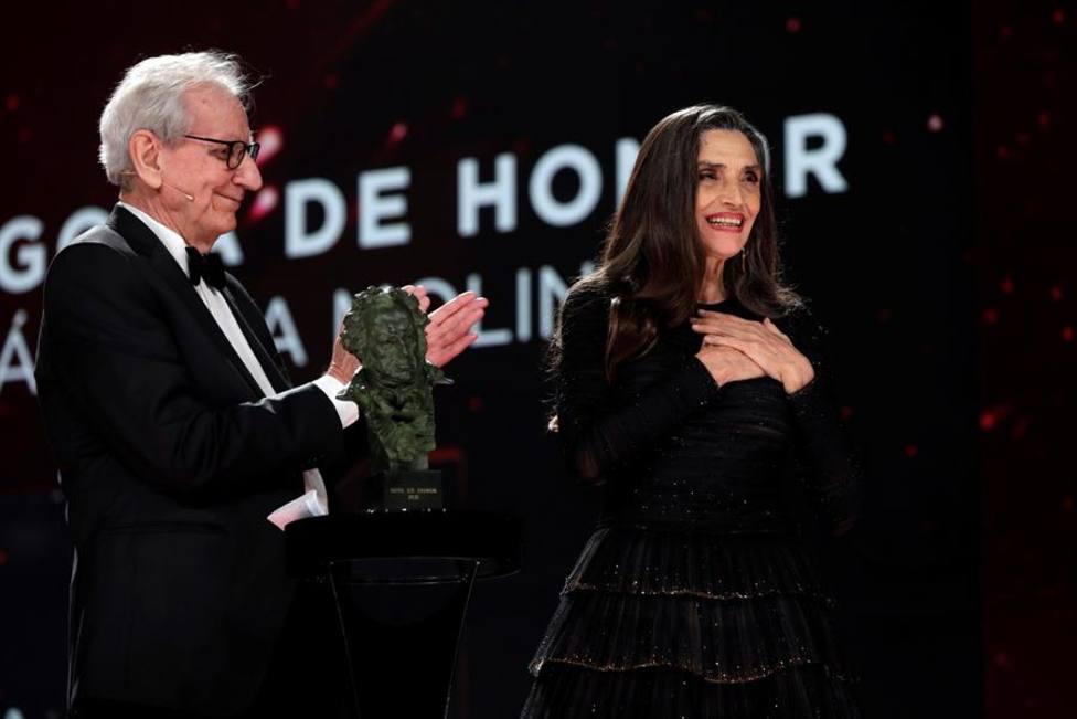 Ángela Molina agradece el Goya de Honor emocionada y de la mejor manera: Con amor
