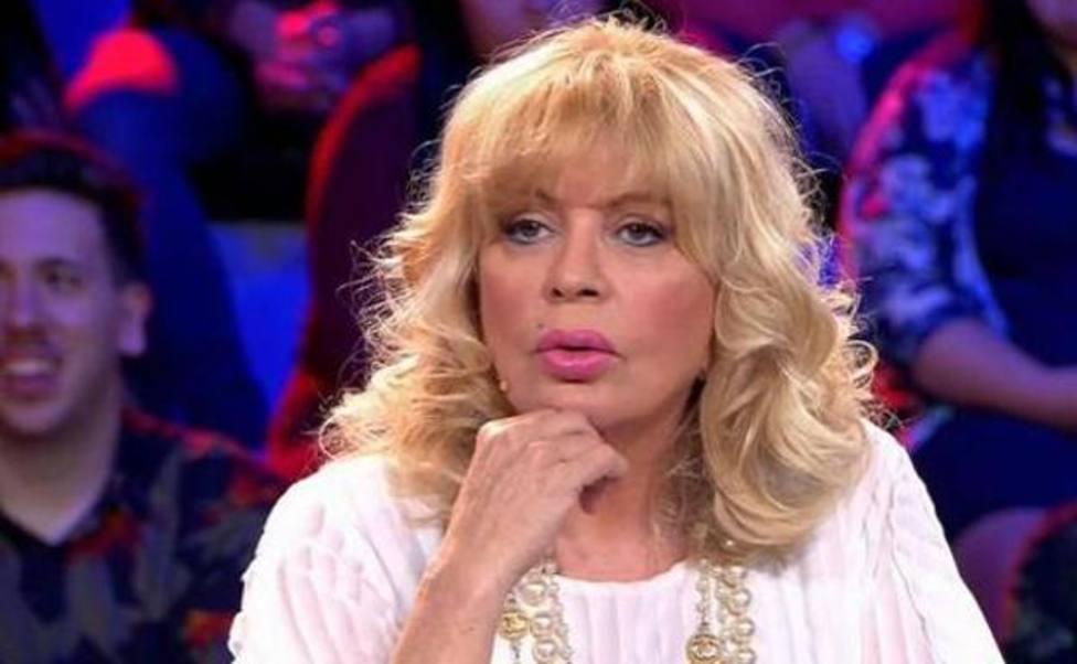 La actriz murciana sigue ingresada por COVID en Marbella.