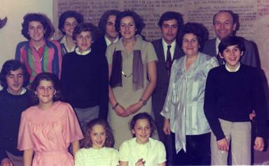 ctv-xj1-amparo-y-federico-con-sus-11-hijos