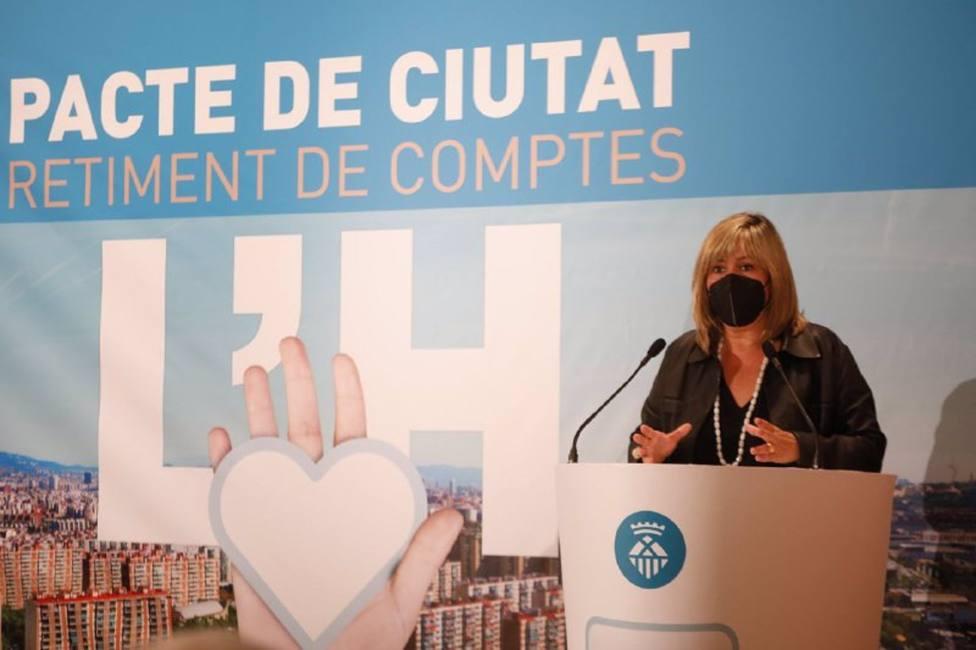 La alcaldesa de LHospitalet de Llobregat, Núria Marín, presenta el primer balance del Pacto de Ciudad.